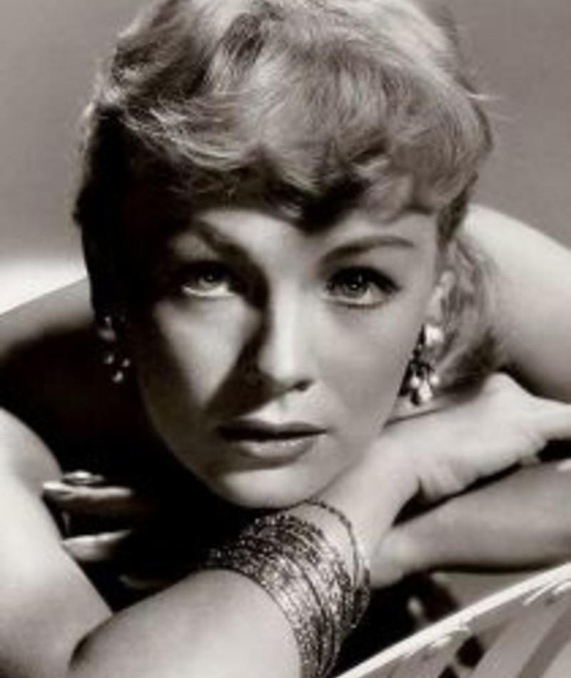 Photo of Simone Paris