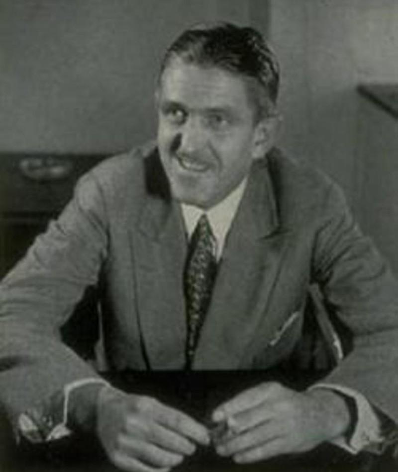 Photo of Sidney Howard