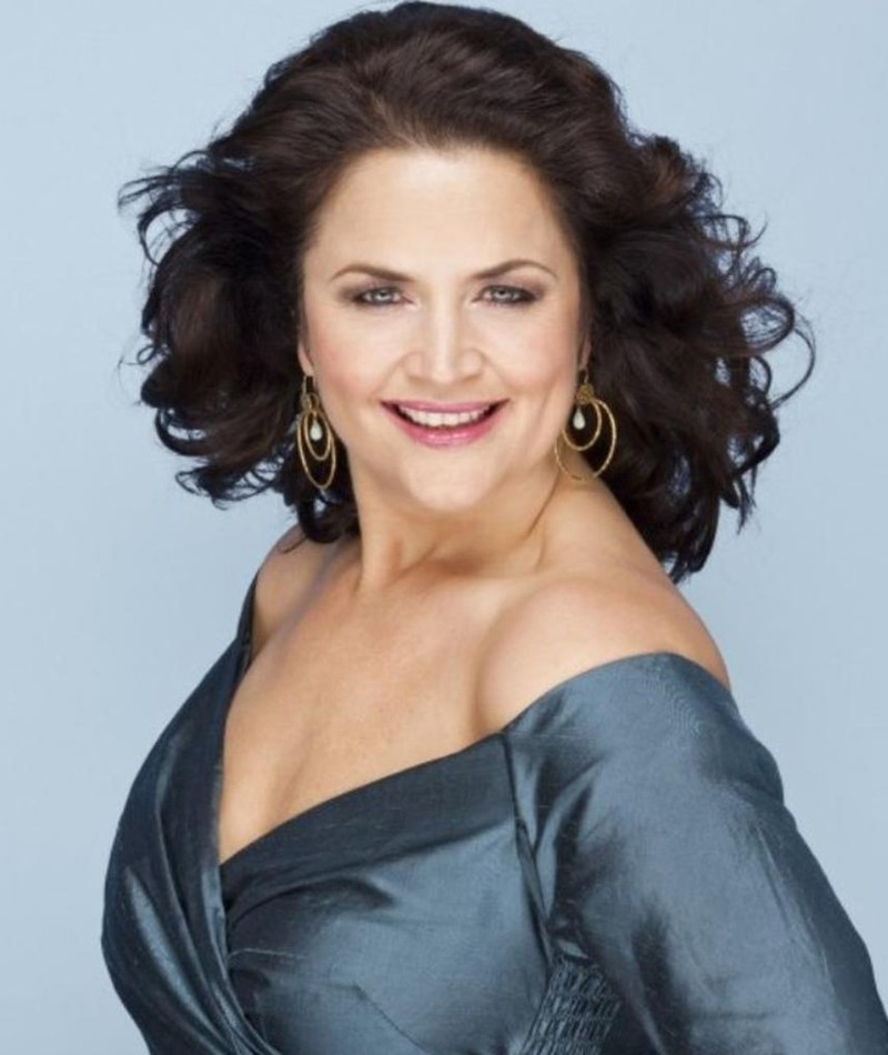 Photo of Ruth Jones