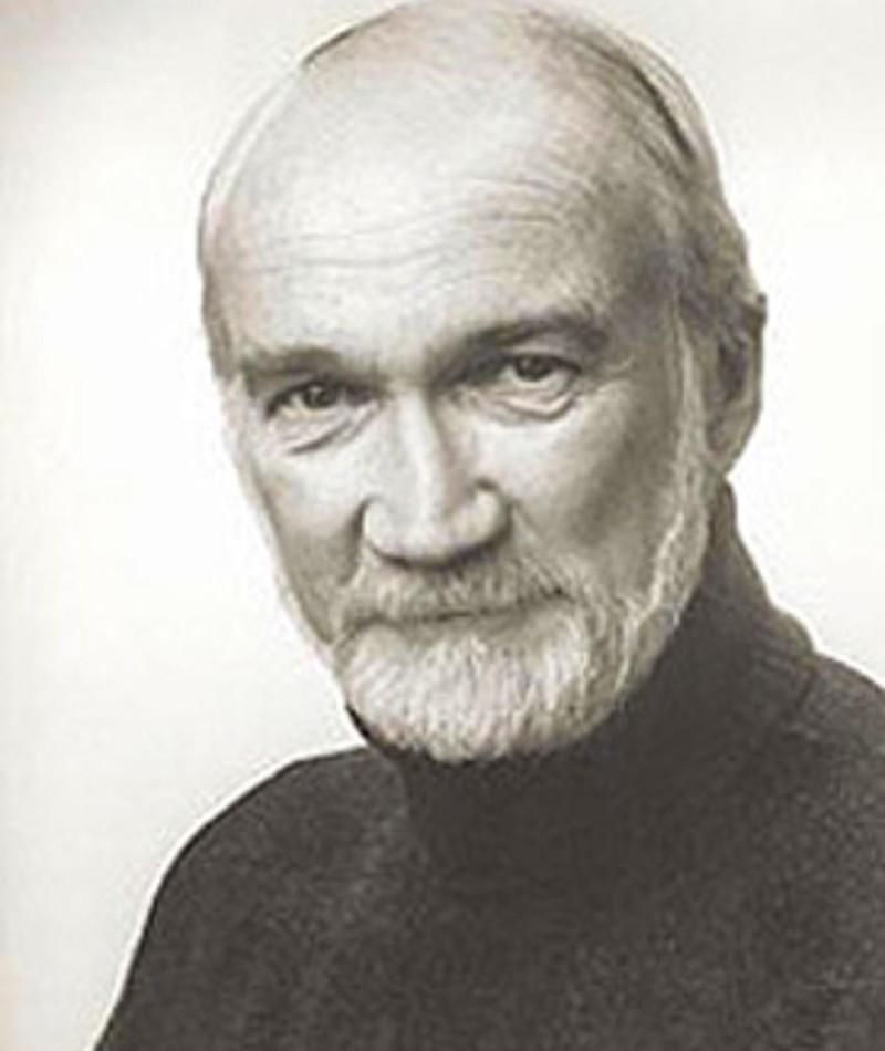 Photo of Colin Fox