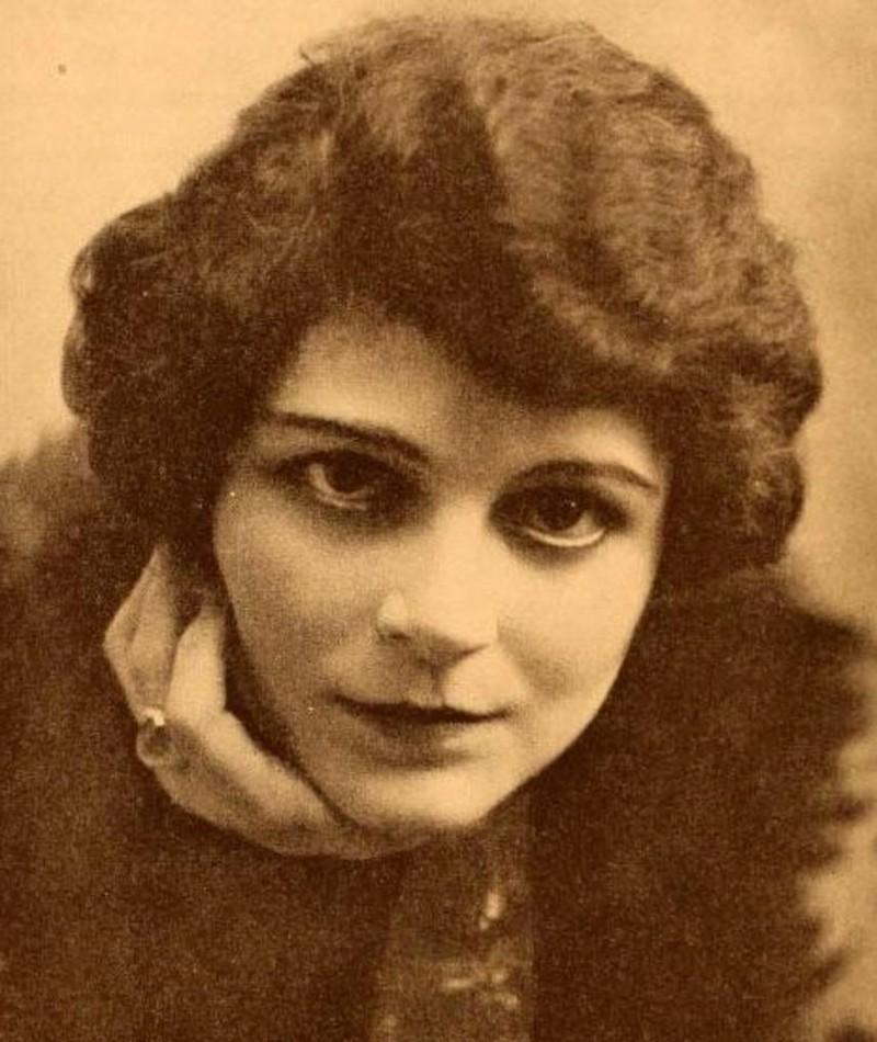 Photo of Gail Kane
