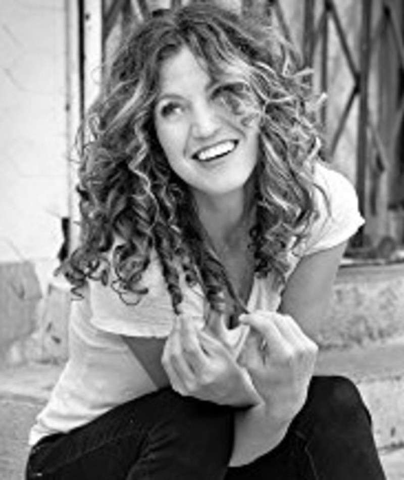 Photo of Beth Raymer