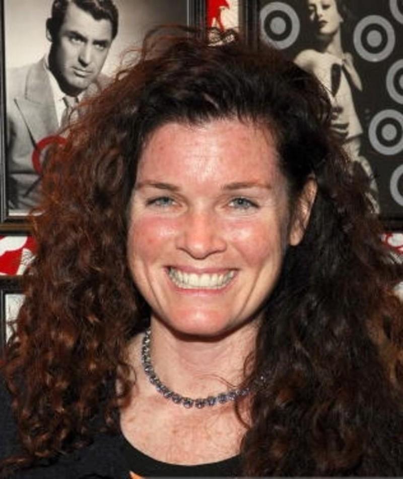 Photo of Tricia Regan