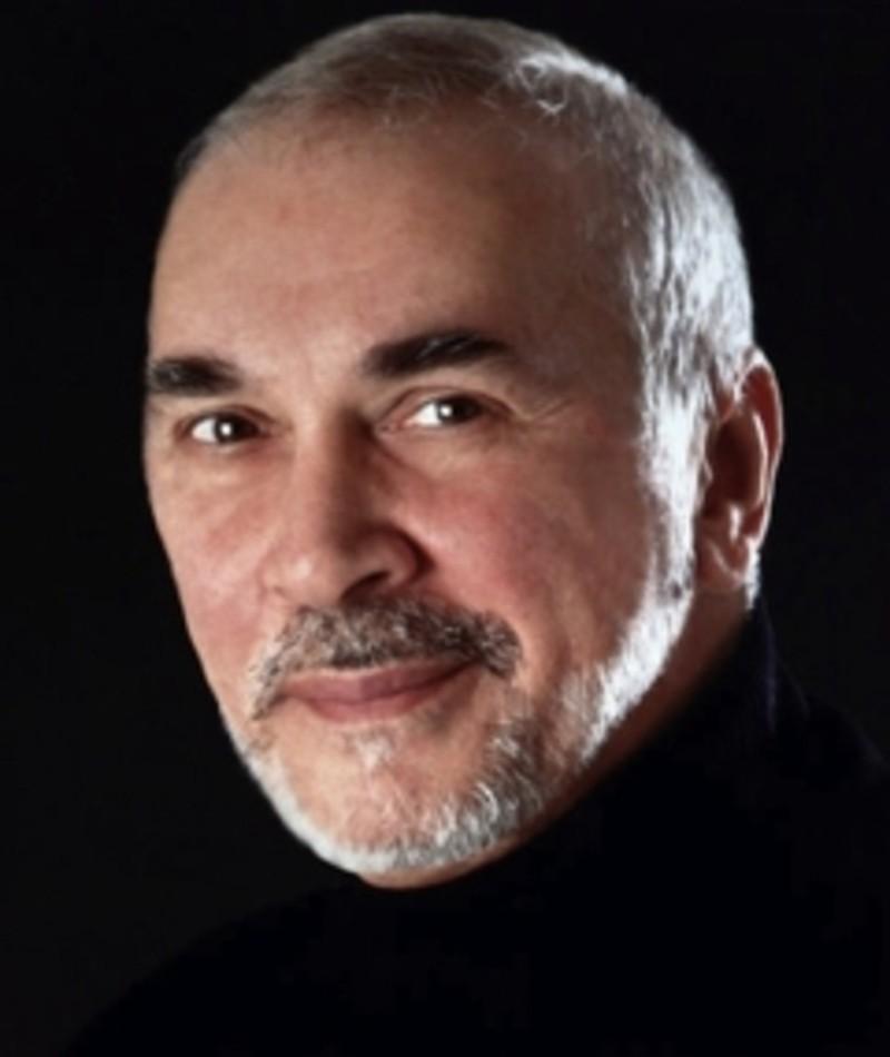 Photo of Frank Langella