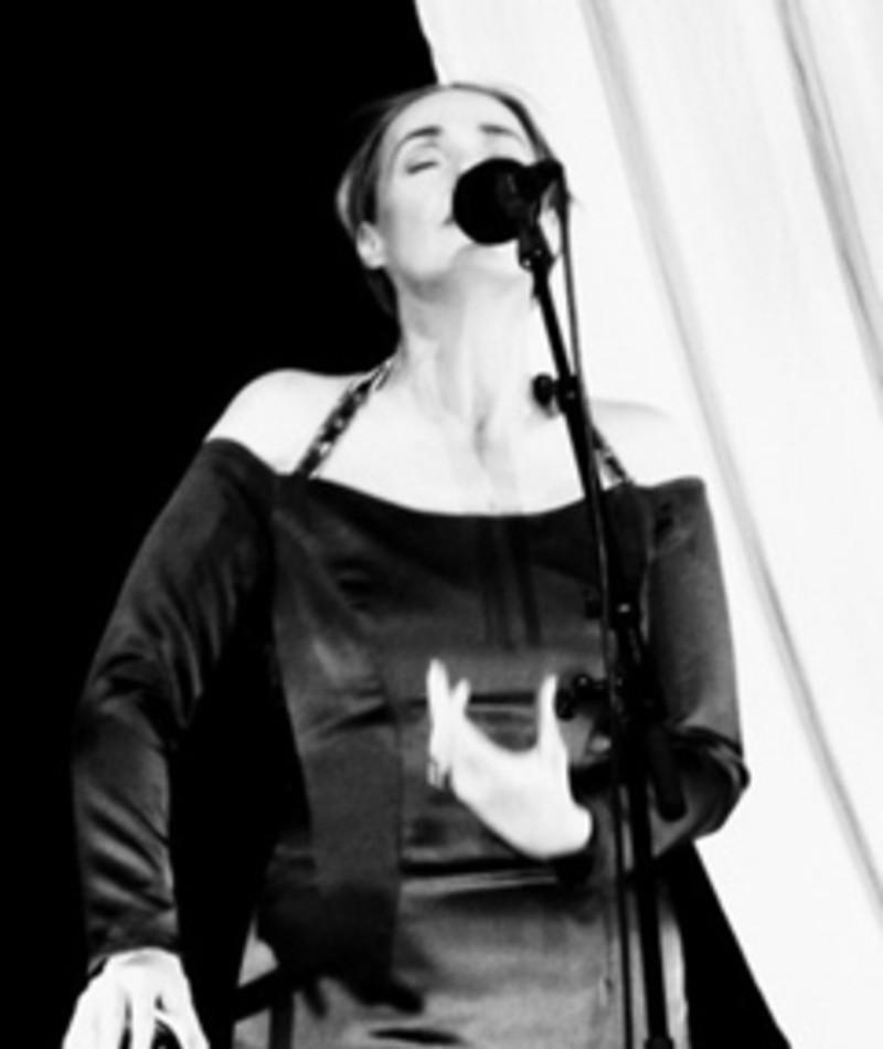 Photo of Lisa Gerrard