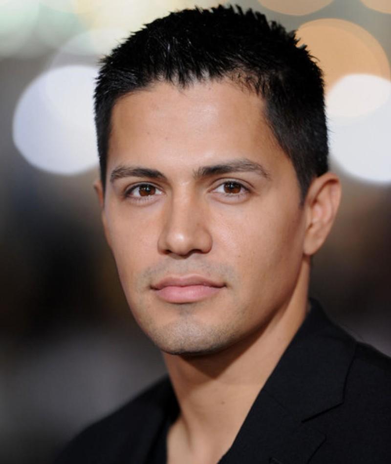 Photo of Jay Hernandez