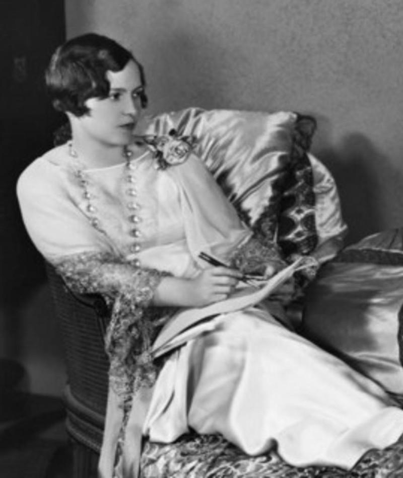 Photo of Dorothy Farnum