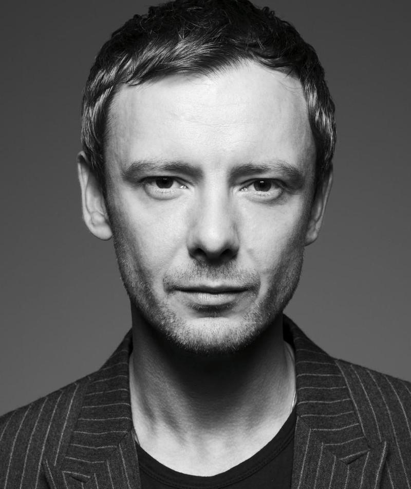Photo of John Simm