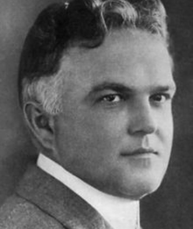 Photo of Victor Moore