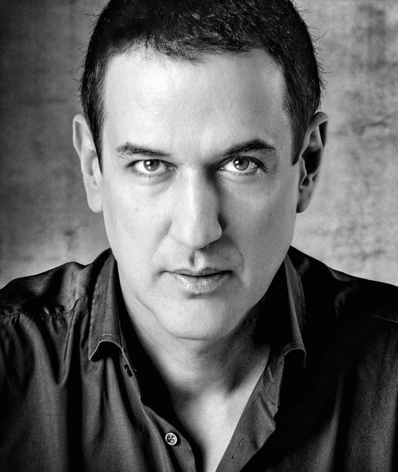 Photo of Roberto Santiago