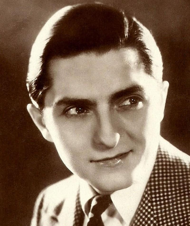 Photo of Roger Tréville
