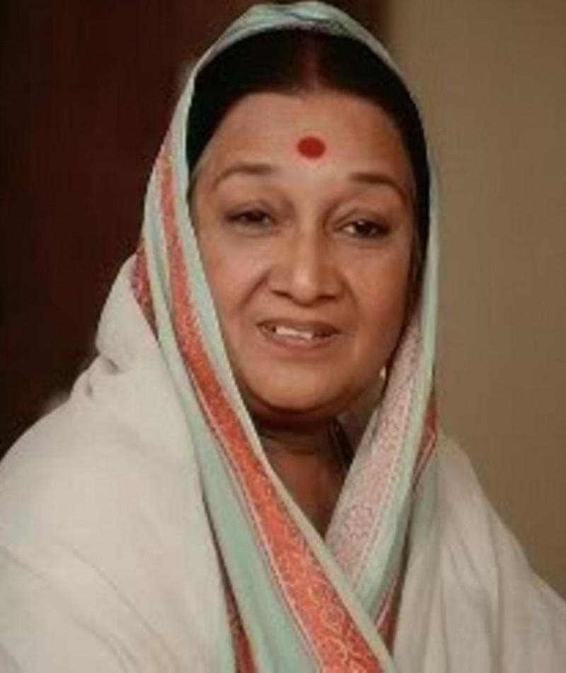 Photo of Dina Pathak