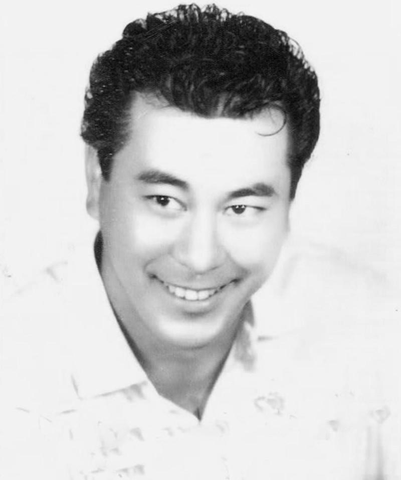 Gambar Roy Chiao