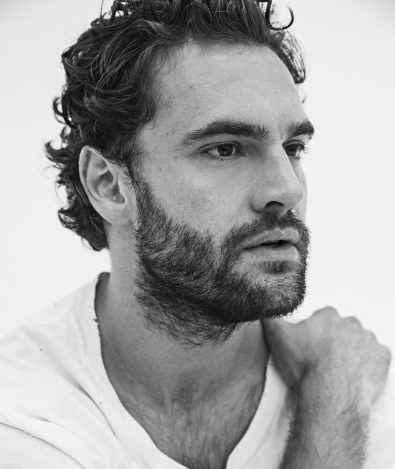 Photo of Tom Bateman