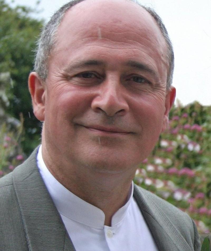 Photo of Mark Ezra