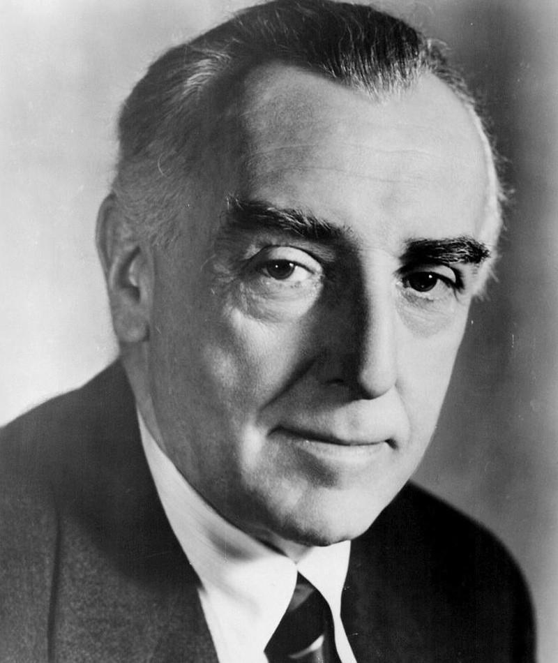 Photo of Walter Hampden