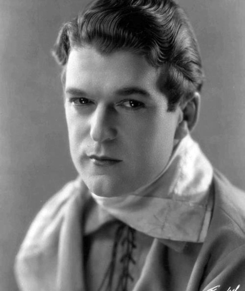 Photo of Wallace MacDonald