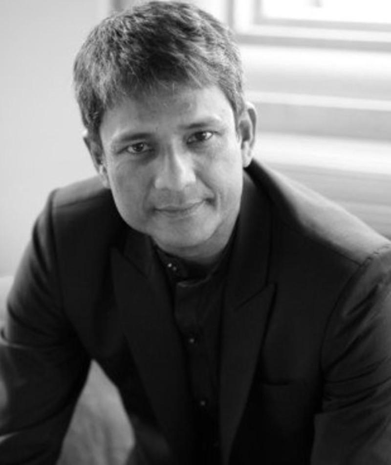 Gambar Adil Hussain