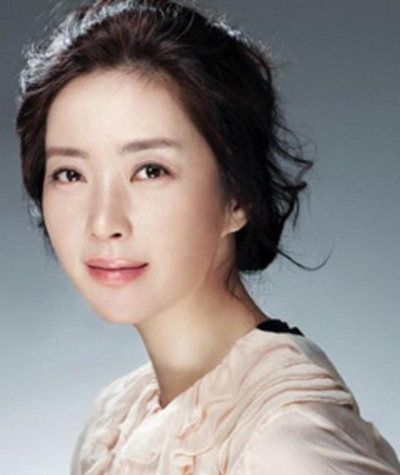 Gambar Song Yoon-A