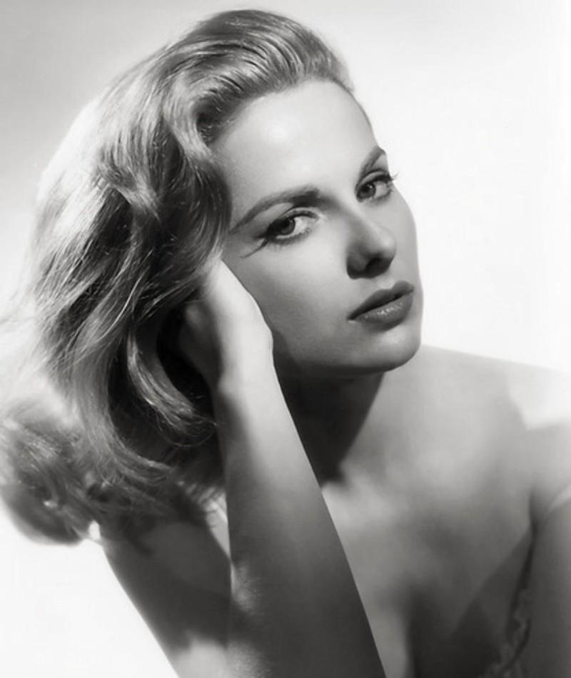 Photo of Martha Hyer
