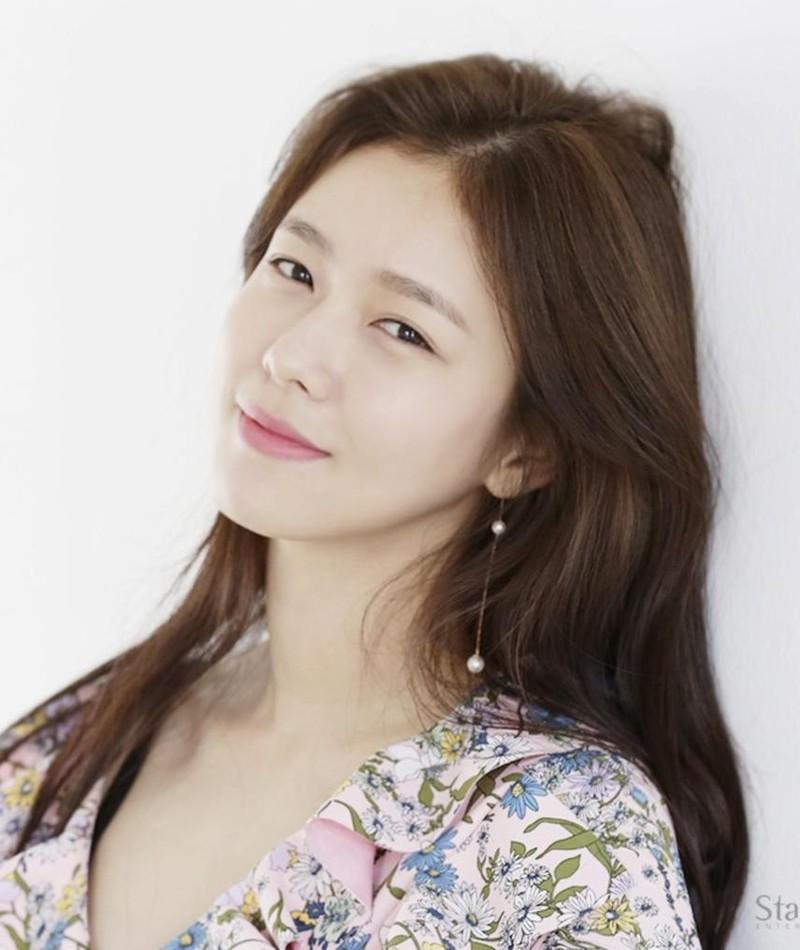 Gambar Kyung Soo-Jin