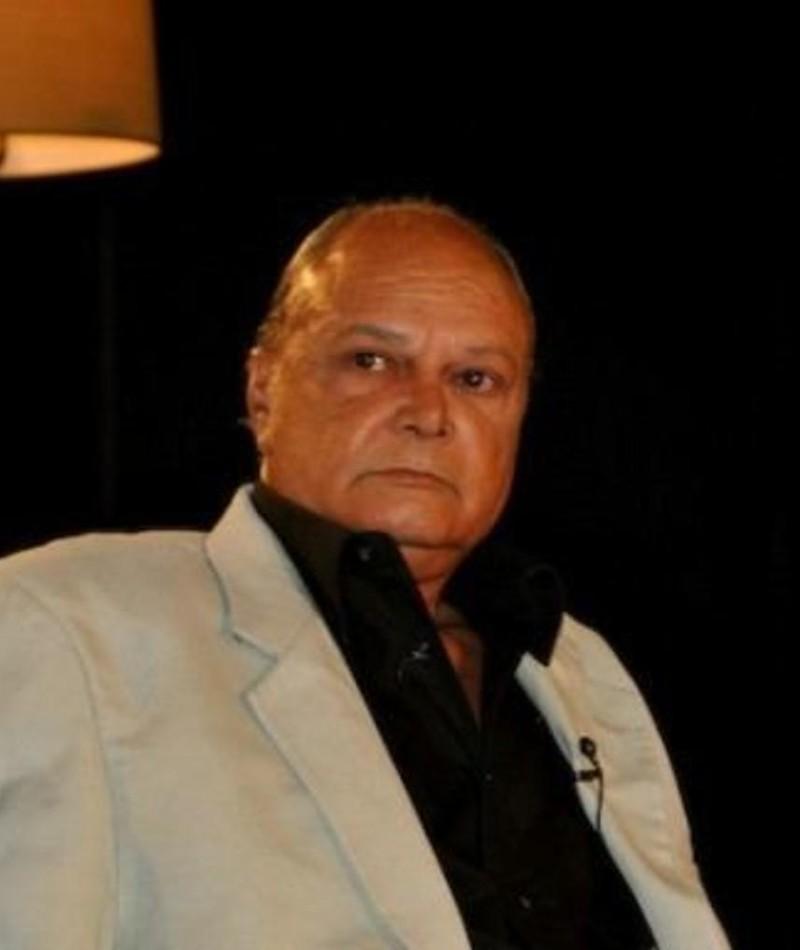 Photo of Enrique Molina