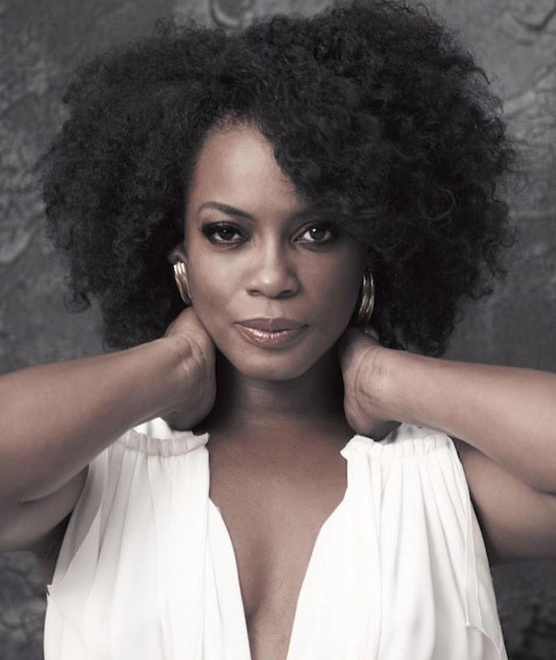 Photo of Aunjanue Ellis
