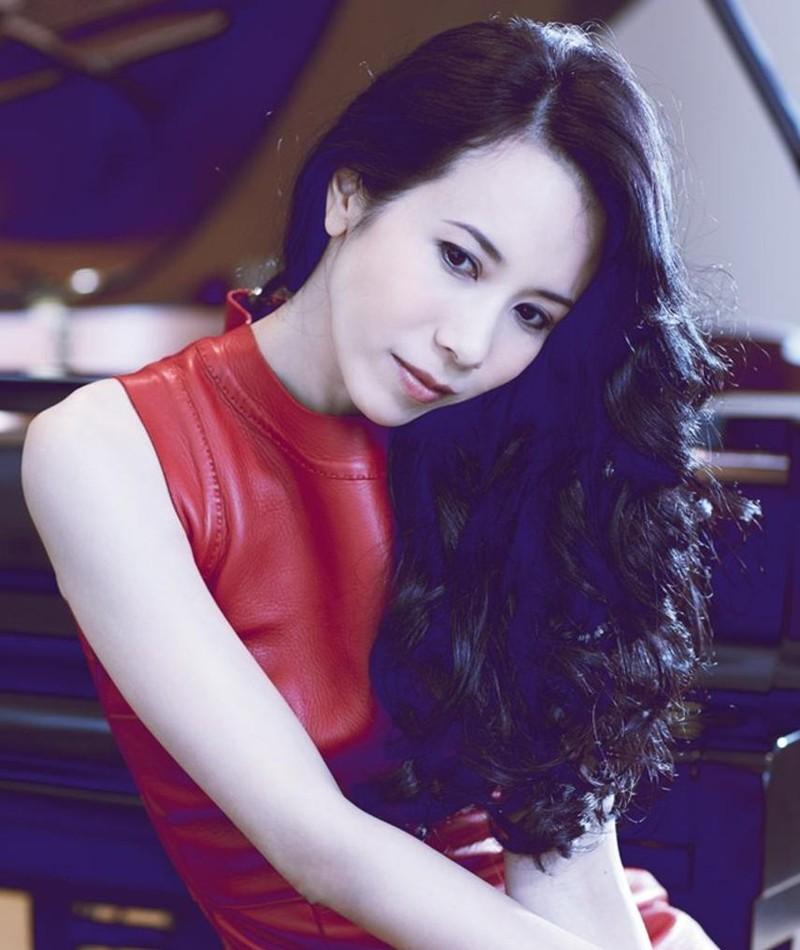 Photo of Karen Mok