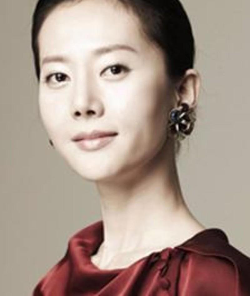 Photo of Yum Jung-ah