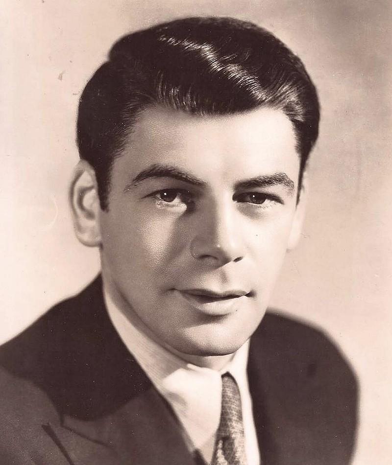 Photo of Paul Muni