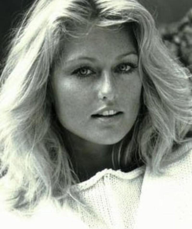 Photo of Mary Stavin