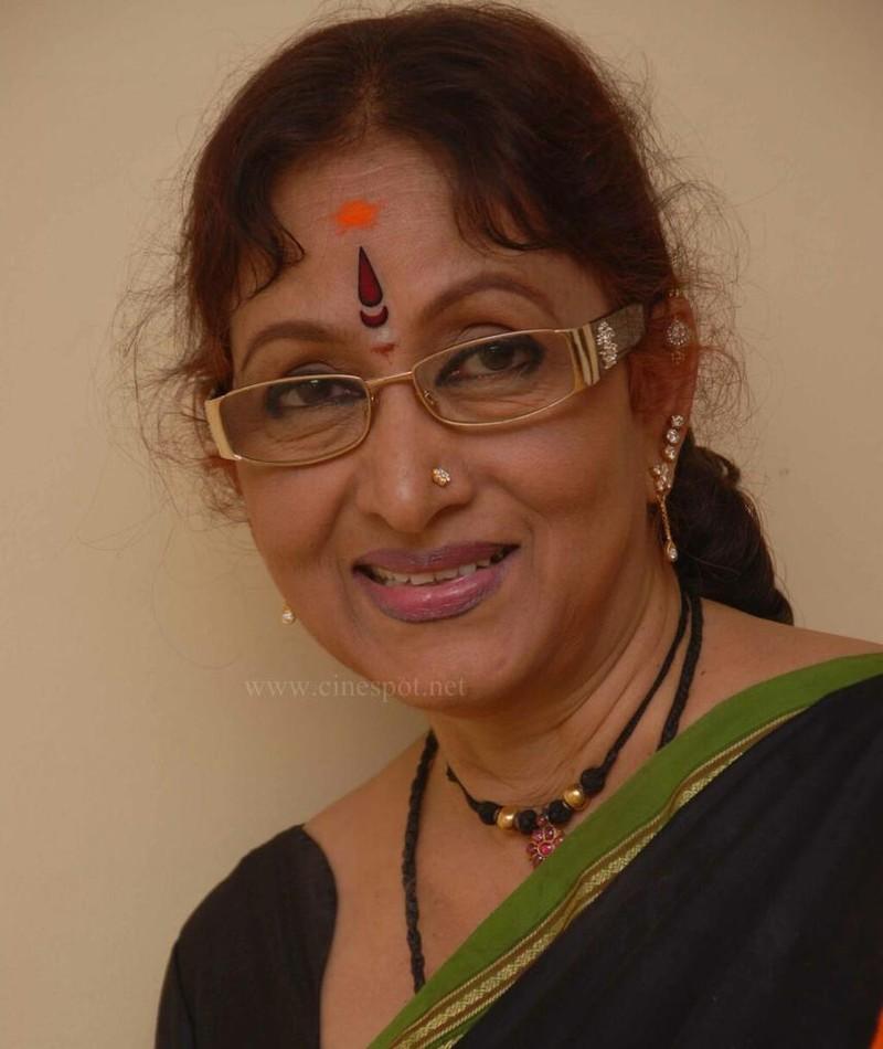 Gambar Bharathi Vishnuvardhan