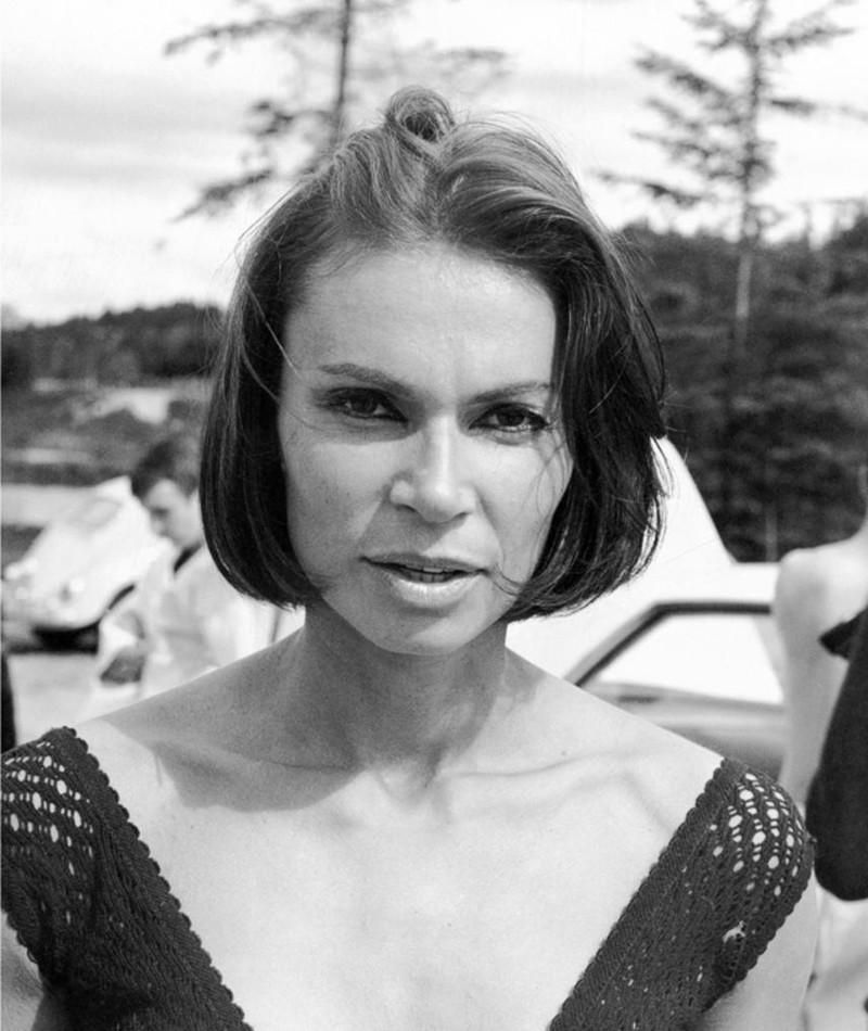 Monique Mercure fotoğrafı