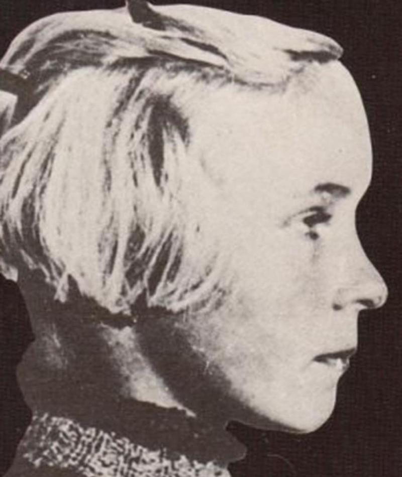 Gambar Clarissa Henry