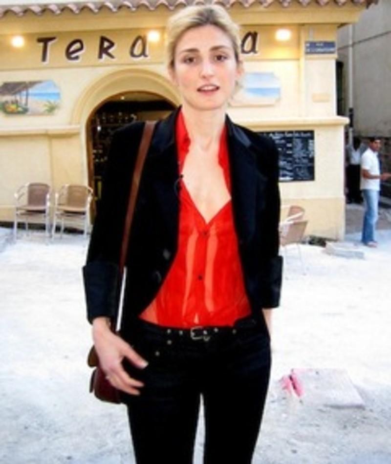 Photo of Julie Gayet
