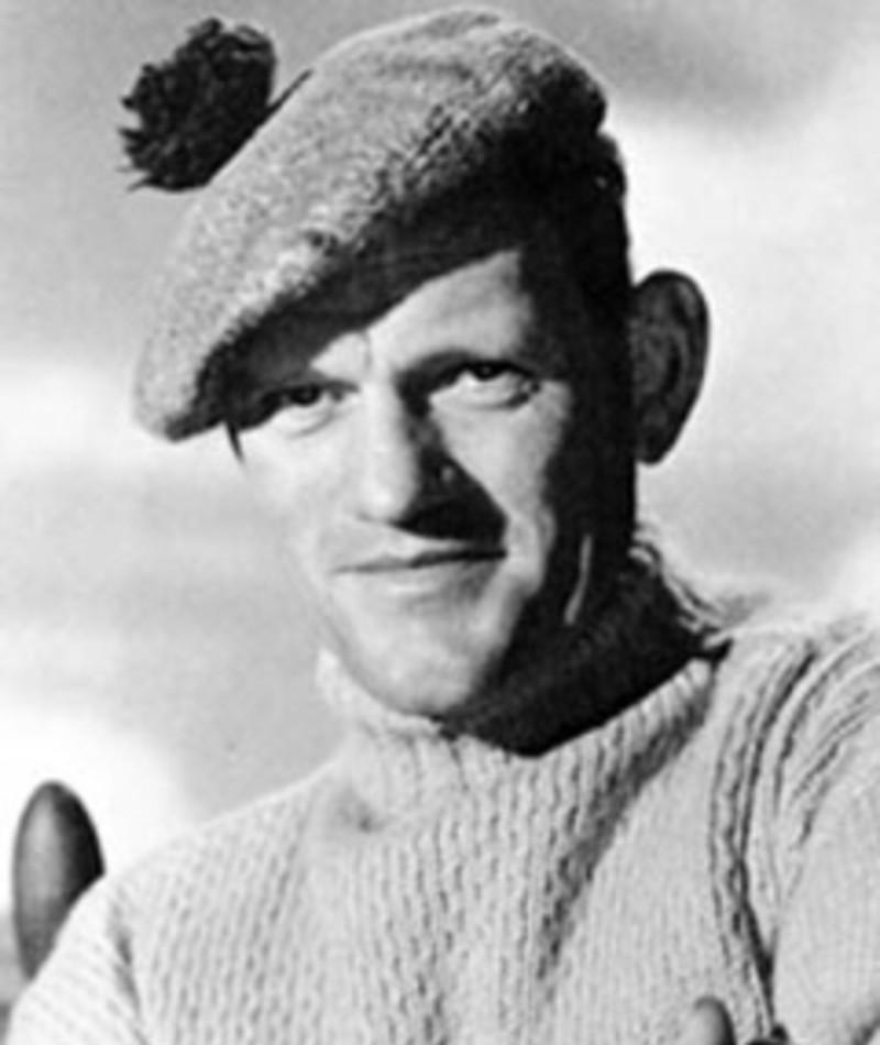 Photo of Harry Andrews