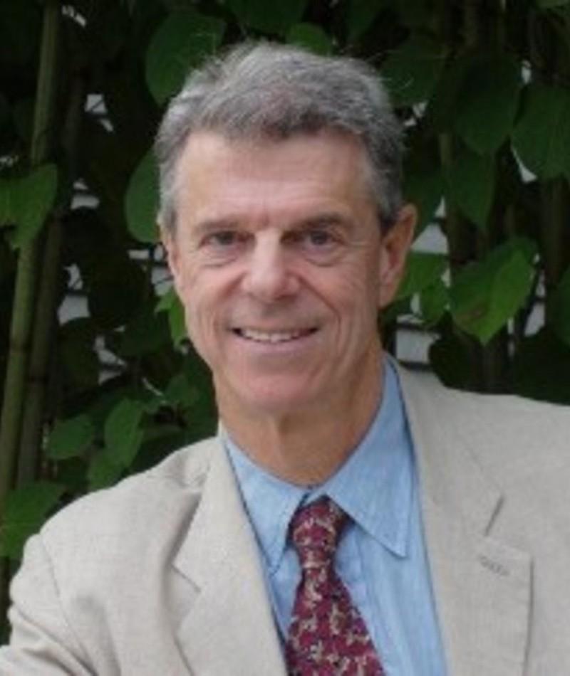 Photo of Peter Davis