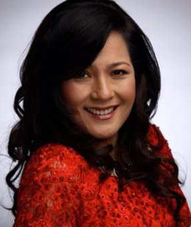 Photo of Gina Alajar