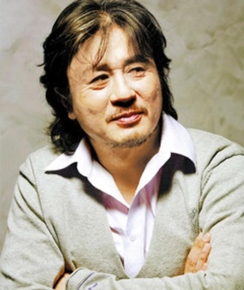 Photo of Choi Min-sik