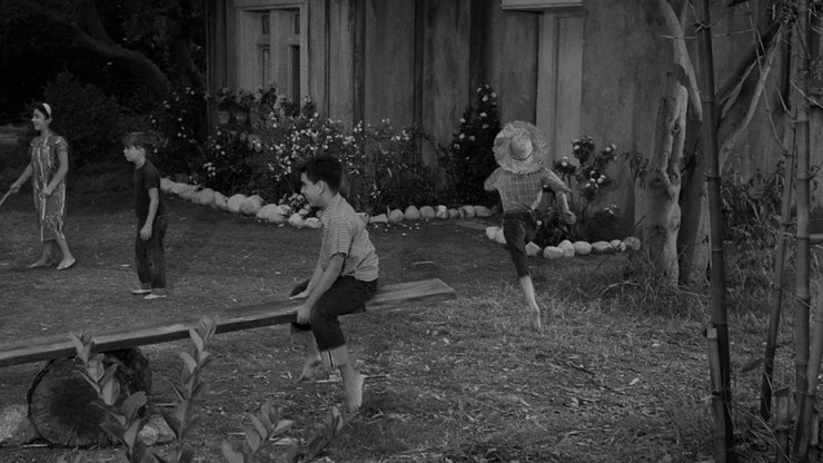 The Twilight Zone: The Bewitchin' Pool