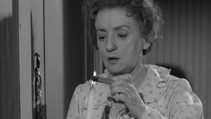 Alfred Hitchcock Presents: Miss Bracegirdle Does Her Duty