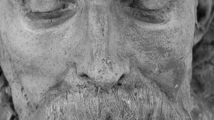 48 Heads from the Merkurov Museum (after Kurt Kren)