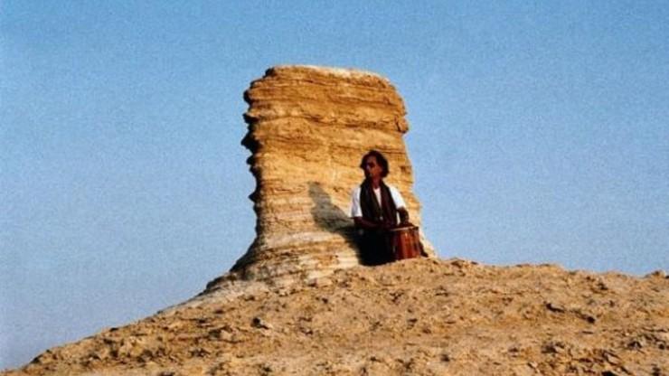 Ein Trommler in der Wüste
