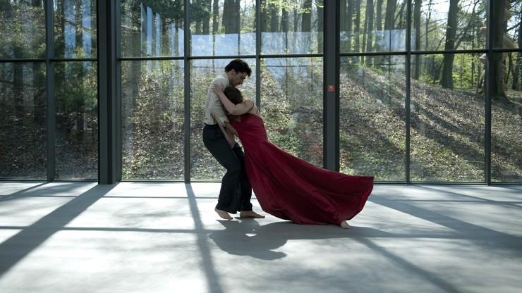 Pina: Danzad, danzad o estamos perdidos
