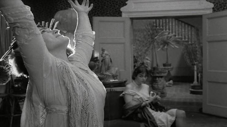 Isadora Duncan, the Biggest Dancer in the World